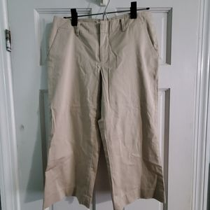 Banana Republic size 8 Capris cropped pants